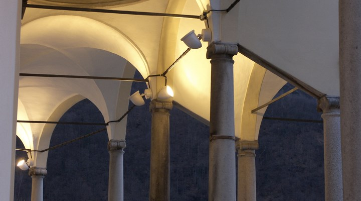 Building Varallo Sesia